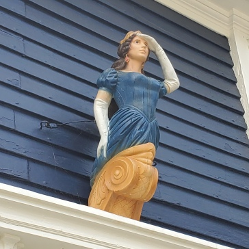 A figurehead from a ship adorns a charming home on the HistWick walk.